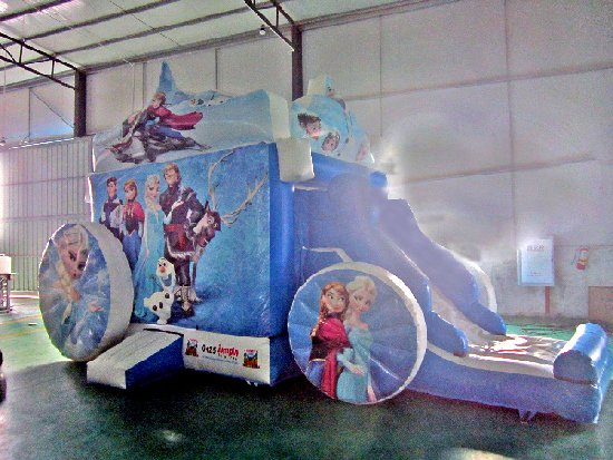 Frozen Cart Jumping Castle